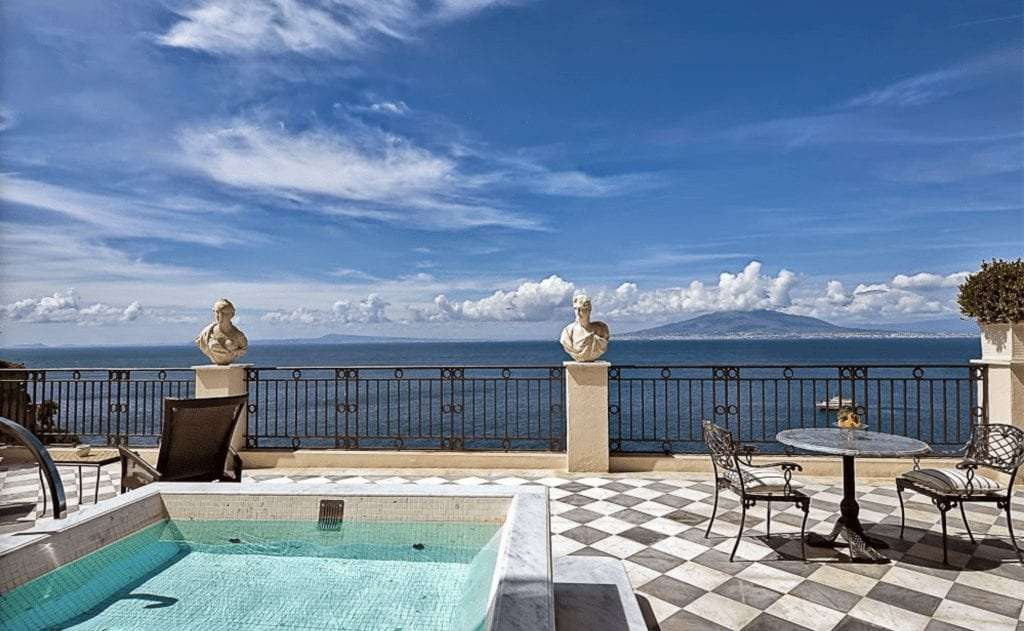 swimming pool of the Bellevue hotel in Sorrento