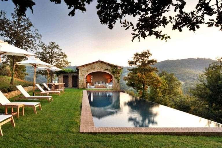 View of a Wedding Villa in Umbria with swimming-pool