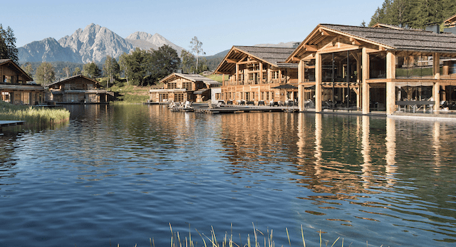 Retreat in South Tyrol with a mountain lake